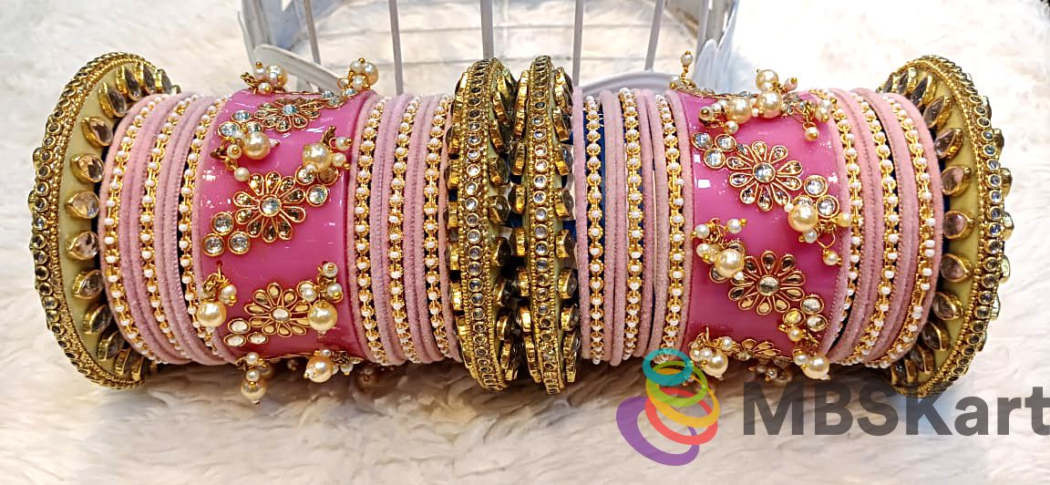 Rajwadi Bridal Wedding Chuda With Flower Design Bangle