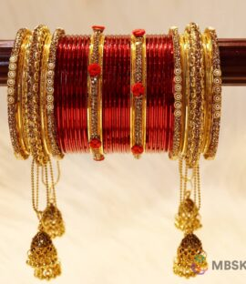 Rajwadi Chuda in Metal maroon and Golden Color With Flower Design and Latkan