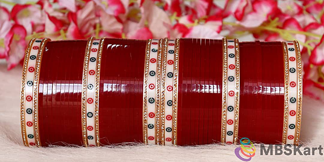 Traditional Punjabi bridal bangle set polka dot design (1)